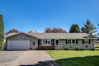 Waunakee Single Family Home For Sale: 5973 Woodland Dr