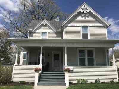 Baraboo Single Family Home For Sale: 337 2nd St