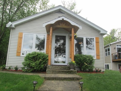 Friendship Single Family Home For Sale: 1170a Chicago Ln