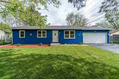 Baraboo Single Family Home For Sale: 821 11th St