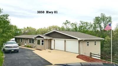 Lancaster WI Single Family Home For Sale: $216,000