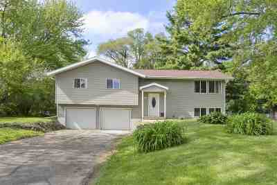 Fitchburg Single Family Home For Sale: 5136 Hilltop Rd