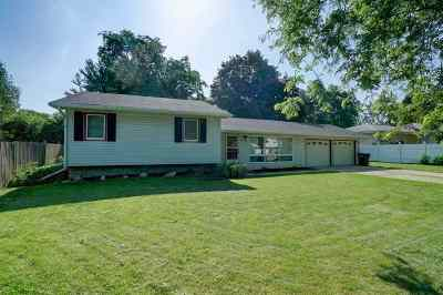 Milton Single Family Home For Sale: 418 Green Hill Dr
