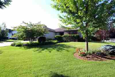 Jefferson County Single Family Home For Sale: 220 Pinnacle Dr