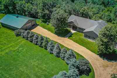 Iowa County Single Family Home For Sale: 1574 Banner Rd