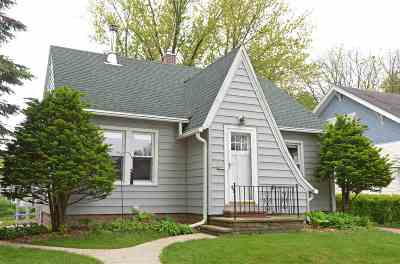 Baraboo Single Family Home For Sale: 621 9th Ave