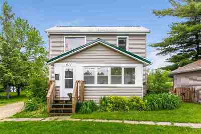 Edgerton Single Family Home For Sale: 411 Stoughton Rd