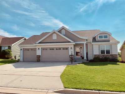 Deforest Single Family Home For Sale: 825 Shooting Star Cir