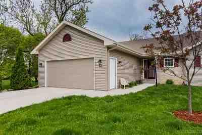 Oregon Single Family Home For Sale: 190 Elliott Ln