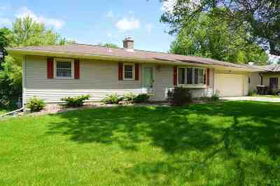 Deforest Single Family Home For Sale: 306 Sunset Dr