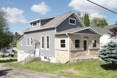 Iowa County Single Family Home For Sale: 312 E Walnut St