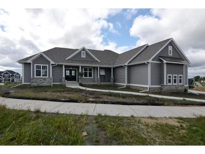 Waunakee Single Family Home For Sale: 2407 Kilarney Way