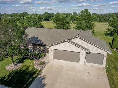 Janesville Single Family Home For Sale: 3437 Tennyson Dr
