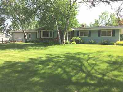 Waunakee Single Family Home For Sale: 6156 Winding Heights Rd