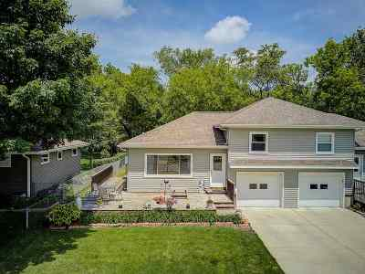 Waunakee Condo/Townhouse For Sale: 203 Fairview Ct