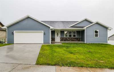 Baraboo Single Family Home For Sale: 1620 Berry Hill Ct