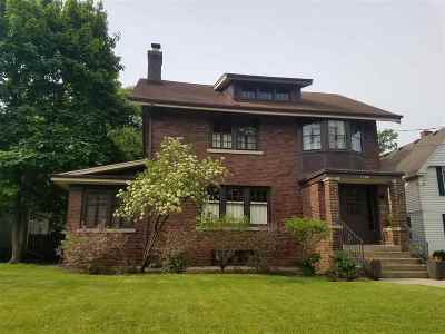 Beloit Single Family Home For Sale: 1306 Chapin St
