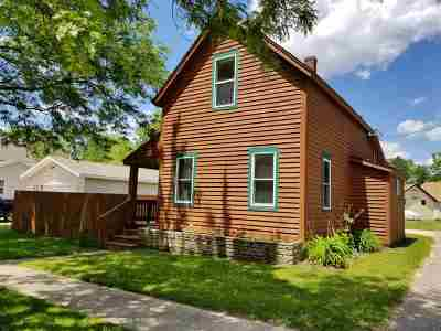Wisconsin Dells Single Family Home For Sale: 511 Illinois Ave