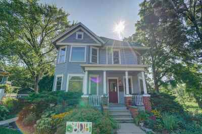 Stoughton Single Family Home For Sale: 601 S Page St
