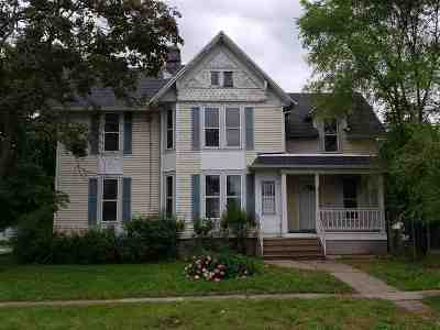 Beloit Single Family Home For Sale: 1203 St Lawrence Ave