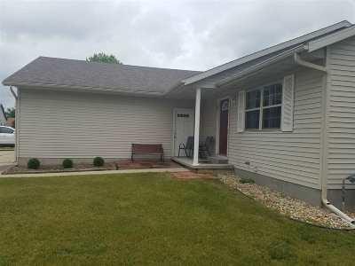 Iowa County Single Family Home For Sale: 404 David Cir
