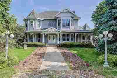Sun Prairie Single Family Home For Sale: 2364 Hidden Meadows Dr
