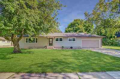 Deforest Single Family Home For Sale: 440 Deforest St