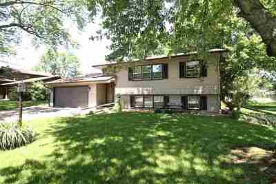 Janesville Single Family Home For Sale: 2310 Dartmouth Dr