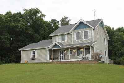 Pardeeville Single Family Home For Sale: W3220 Buffalo Hills Rd