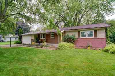 Dane County Single Family Home For Sale: 212 Major Way