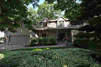 Oregon Single Family Home For Sale: 925 Autumn Woods Ln