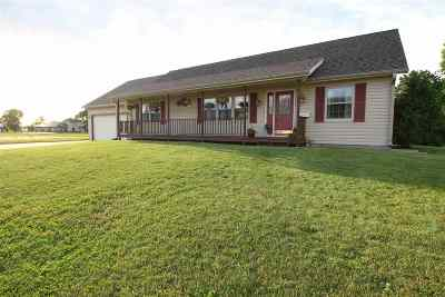 Sauk City WI Single Family Home For Sale: $242,000