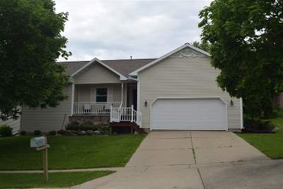 Mount Horeb Single Family Home For Sale: 624 S 1st St