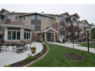 Fitchburg Condo/Townhouse For Sale: 11 Glen Brook Way #104