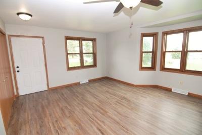 Deerfield Single Family Home For Sale: 843 Kimseth Cir