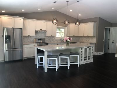 Middleton Single Family Home For Sale: 8691 Plainfield Rd