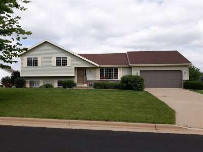 Dane County Single Family Home For Sale: 105 Weybridge Dr