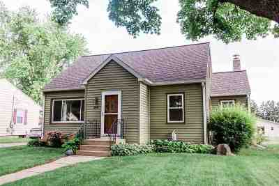 Waunakee Single Family Home For Sale: 204 5th St