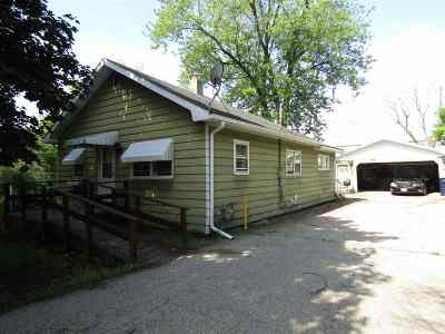 Rock County Single Family Home For Sale: 102 S Grant Ave