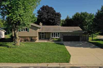 Sun Prairie Single Family Home For Sale: 511 Maynard Dr