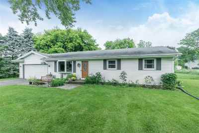Dane County Single Family Home For Sale: 6200 Harvest Ln