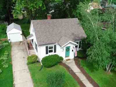 Dane County Single Family Home For Sale: 3817 Busse St