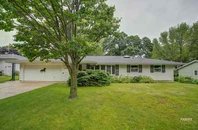 Fitchburg WI Single Family Home For Sale: $259,000