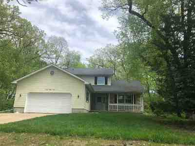 Stoughton Single Family Home For Sale: 2890 Skycrest Cir