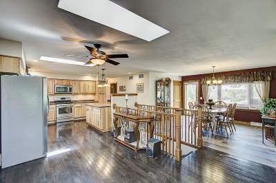 Wisconsin Dells Single Family Home For Sale: 1067 Gem Dr