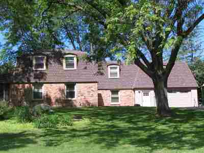 Wisconsin Dells Single Family Home For Sale: 213 Windy Hill Rd