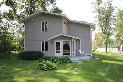Dane County Single Family Home For Sale: 4727 Yahara Dr
