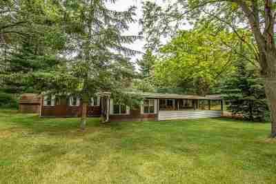 Prairie Du Sac Single Family Home For Sale: N750 Golf Rd