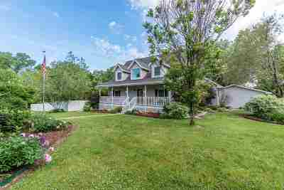 Baraboo Single Family Home For Sale: 1400 Terrytown Rd