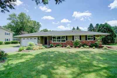 Fitchburg Single Family Home For Sale: 5751 Pembroke Dr